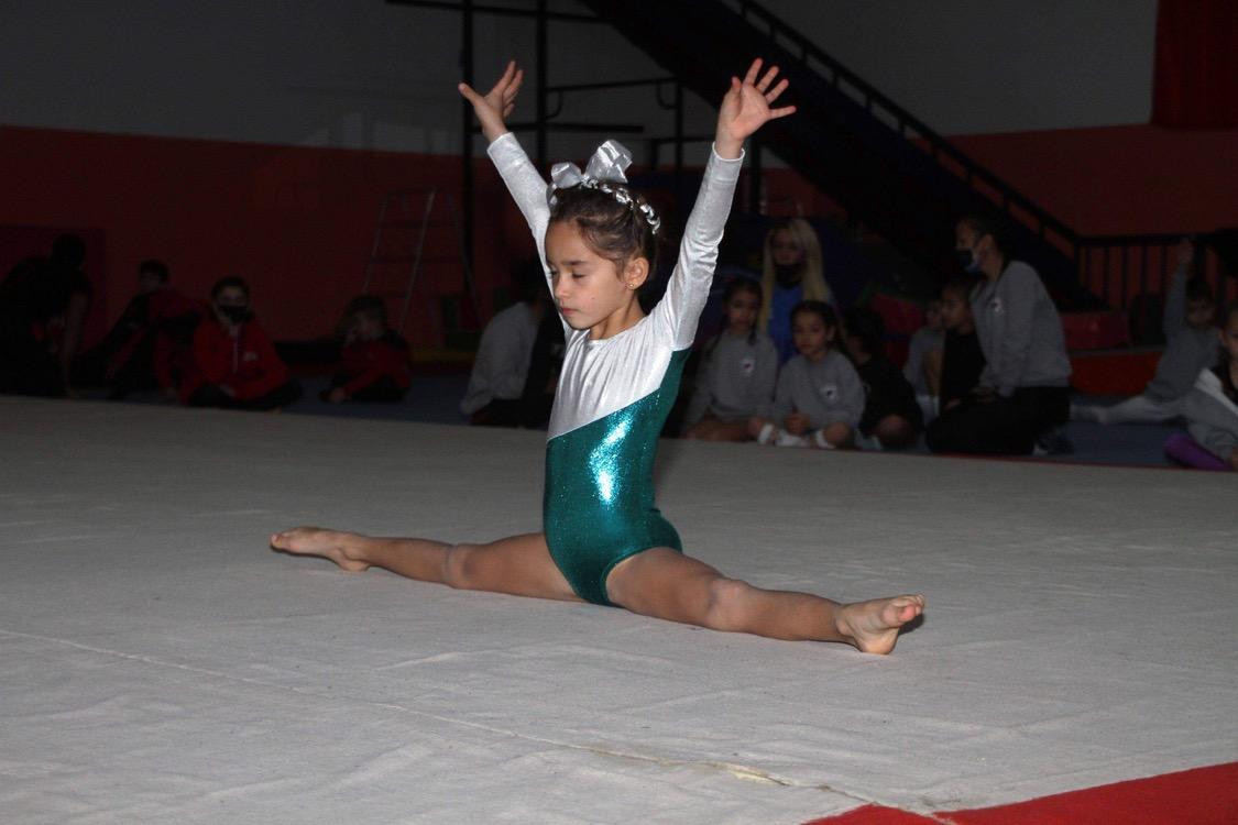 Cimnastikçiler, Şehitler anısına yarıştı