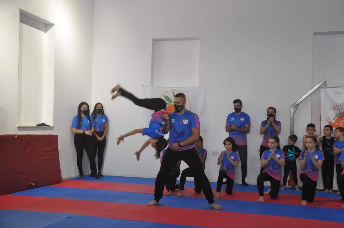 Lefkoşalı cimnastikçiler, Lefke'yi coşturdular