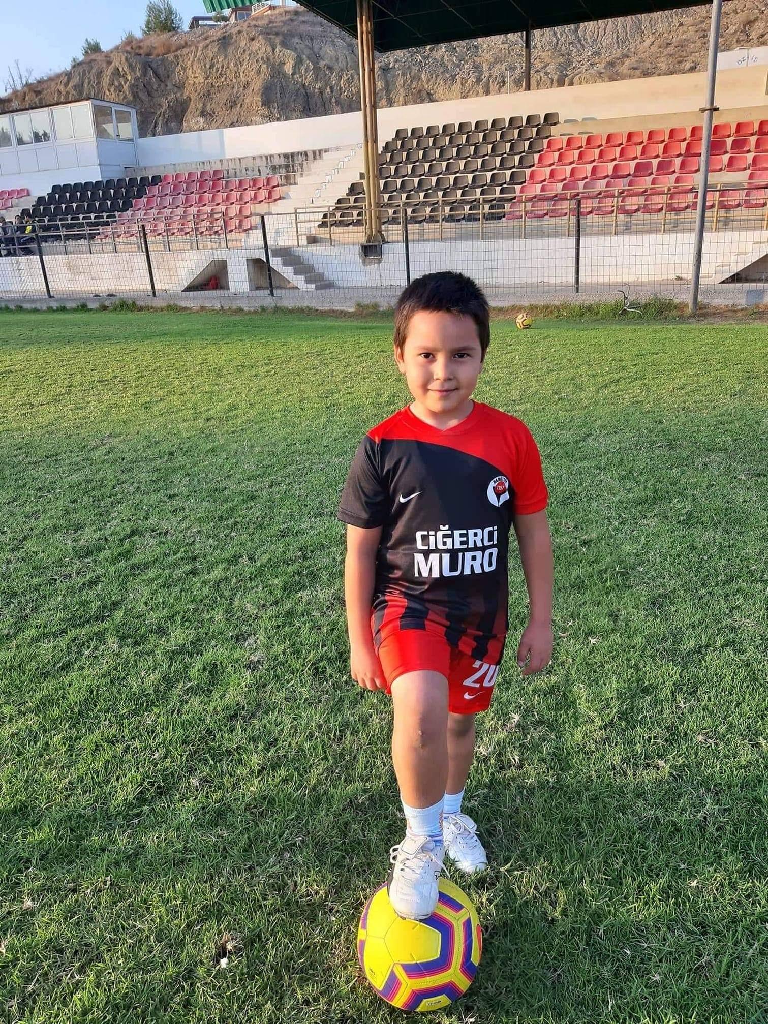 Hamitköy'de haftanın yıldızı Mustafa Uçar