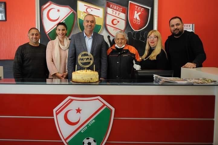 Sertoğlu'na sürpriz kutlama