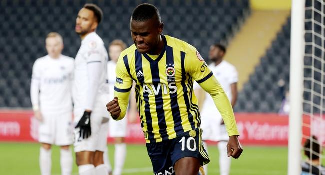 Samatta attı, Fenerbahçe turladı